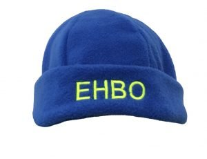 EHBO muts Fleece kleur korenblauwmet borduur opdruk EHBO